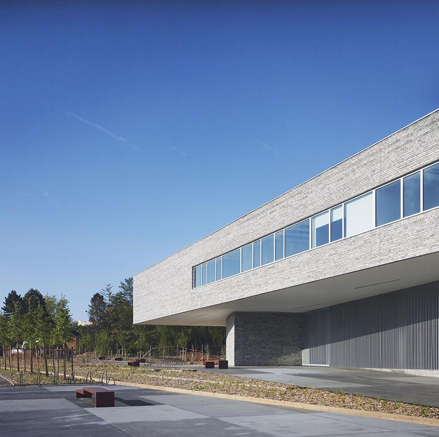 Groupe scolaire sin le noble fr zigzag architecture for Piscine sin le noble